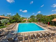 Doubletree by Hilton at SeaWorld pool - Florida Holidays