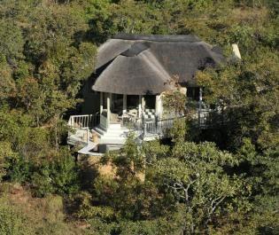 Clifftop Exclusive Safari Hideaway