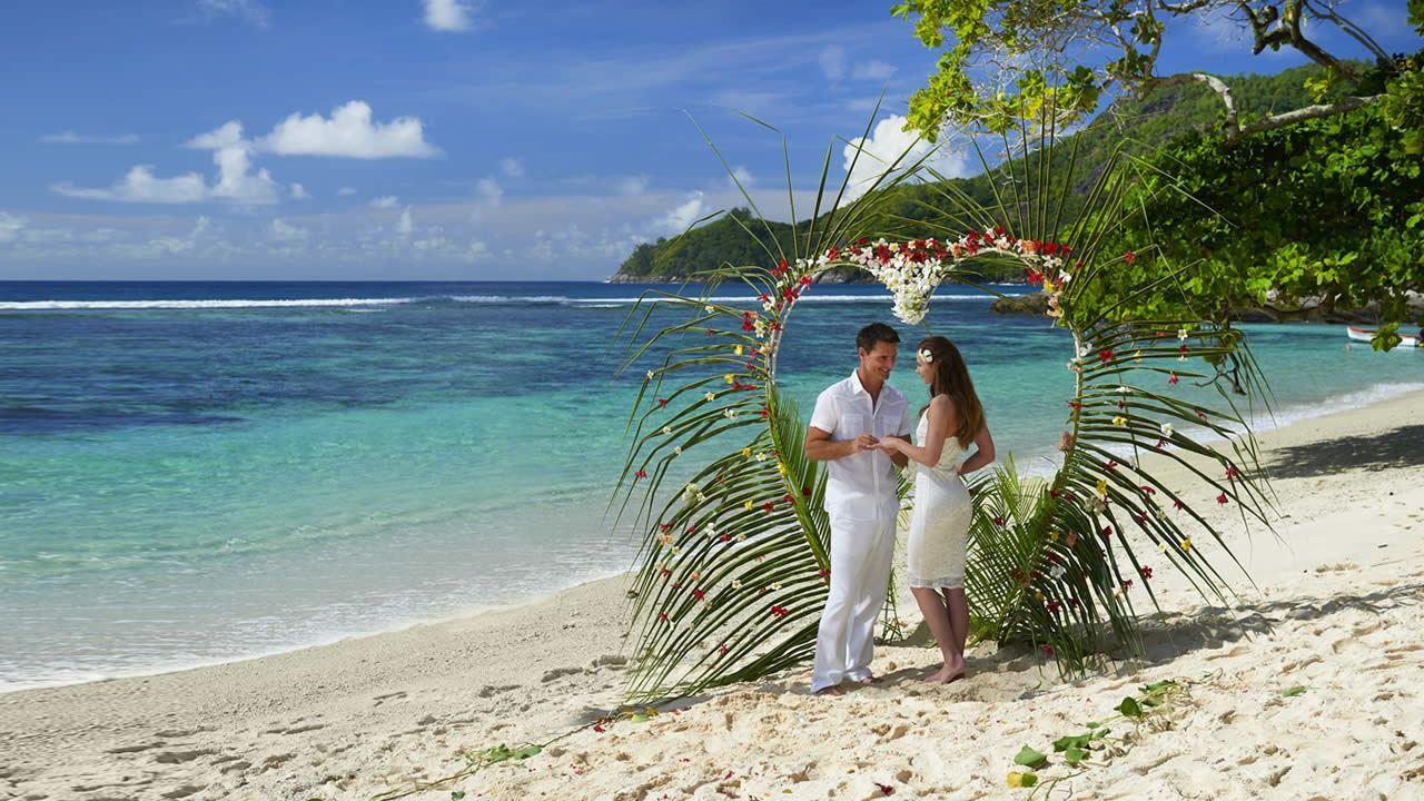Weddings Abroad, Plan an Overseas Wedding 2017/2018 - Tropical Sky