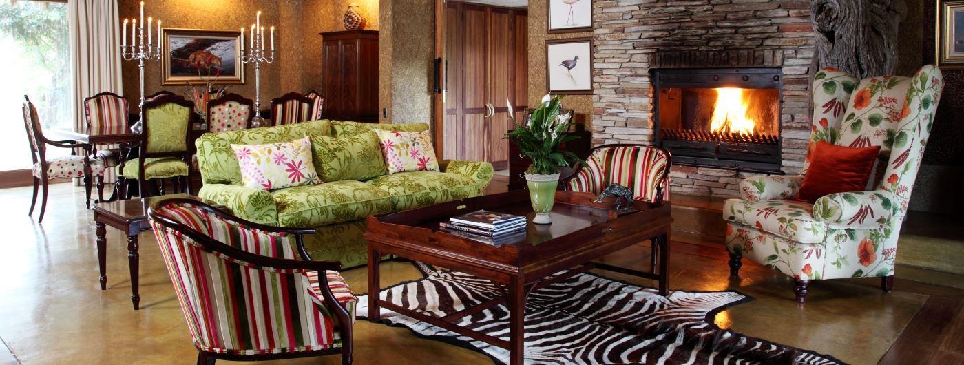Zindoga Villa main lounge