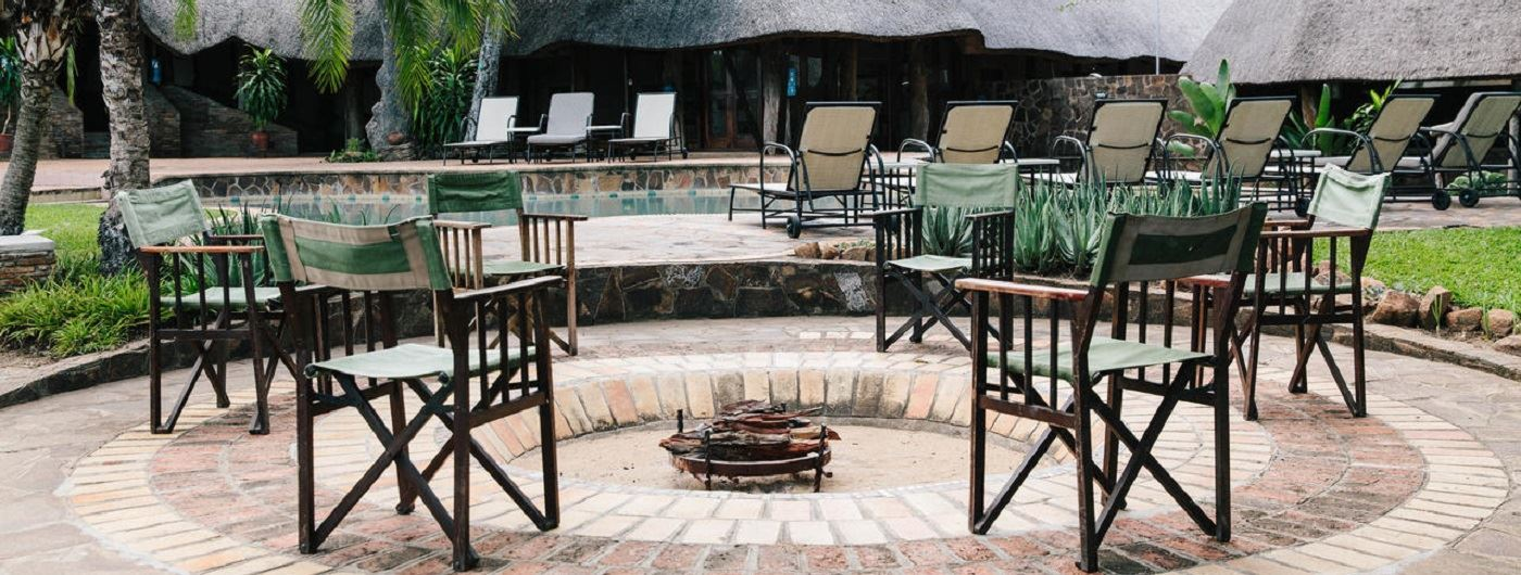 Chilo Gorge Safari Lodge campfire