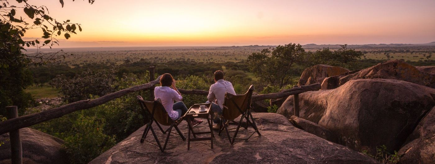 Serengeti Pioneer Camp main bar and lounge view