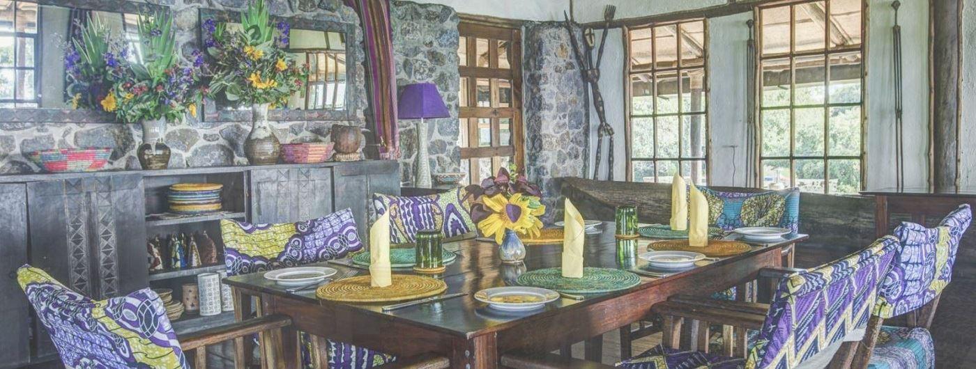 Virunga Lodge dining table