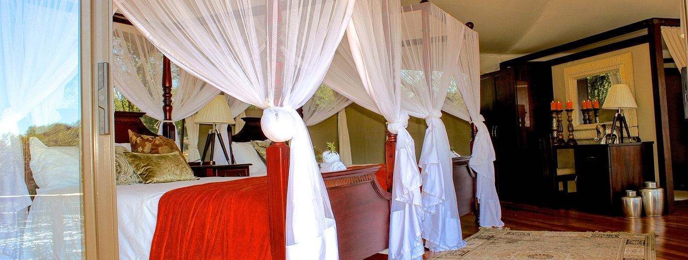 Double bedded suite
