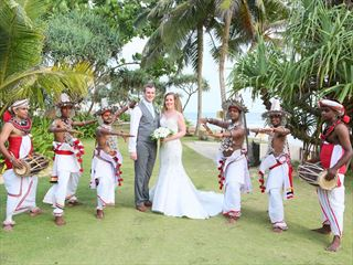 Bride & Groom flanked by Kandyan dancers & drummers