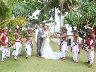 Bride & Groom flanked by Kandyan dancers & drummers