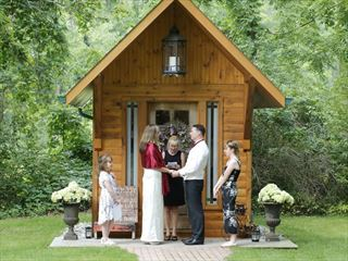 The secret Little Log Cabin wedding