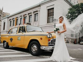 Bride and her vintage New York taxi