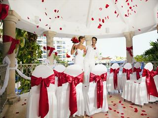 Vibrant & colourful weddings at Barcelo Costa Cancun