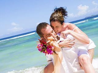 Fun and romance at Palm Island