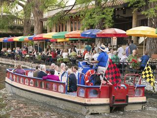 San Antonio Riverwalk boat ride
