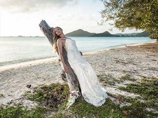 Sugar Ridge bride at Valley Church Beach