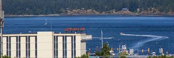 Coast Discovery Inn, Exterior and Views to Quadra Island