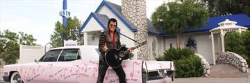 Elvis outside Graceland Wedding Chapel