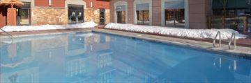 Hilton Whistler Resort & Spa, Pool
