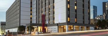 Holiday Inn Express Downtown, Exterior