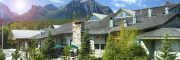 Lake Louise Inn, Exterior
