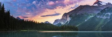 Maligne Lake at sunrise, Jasper National Park