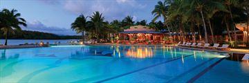 Shandrani Beachcomber Resort & Spa, Pool and Blue Bay Bar