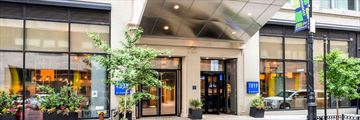 TRYP By Wyndham New York Times Square South, Exterior and Entrance