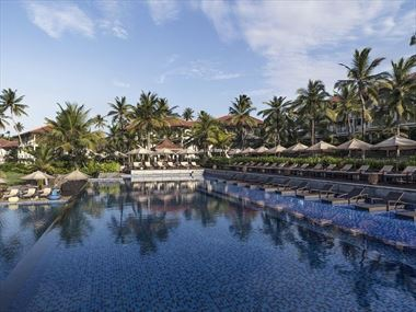 Anantara Peace Haven Tangelle main pool