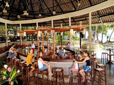 Baobab Beach Resort bar