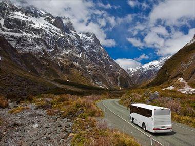 Escorted tours through Milford Sound to Te Anau
