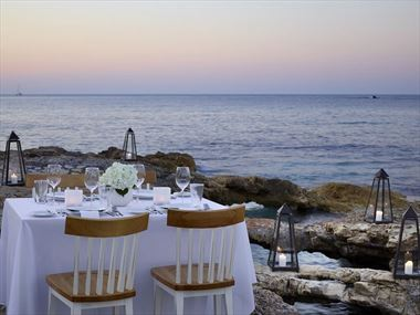Private dining at Creta Maris Beach