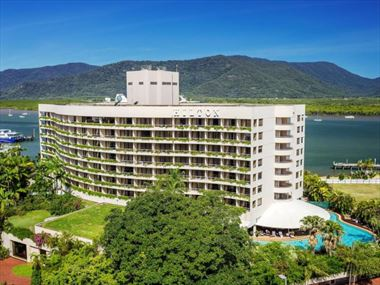 Hilton Cairns Hotel Exterior
