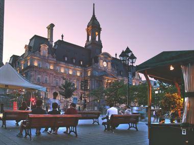 Exploring Montreal's tourist neighbourhoods