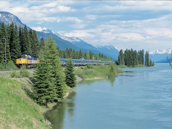 The Canadian, VIA Rail
