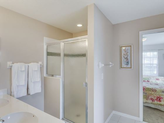 Example of a Fort Myers Area Home -  Ensuite Bathroom