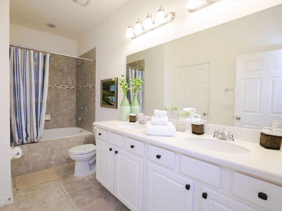 Example West Haven - Bathroom