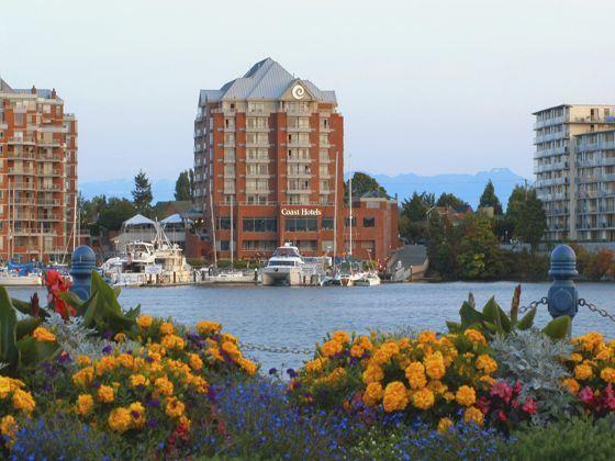 Coast Victoria Hotel & Marina by APA exterior