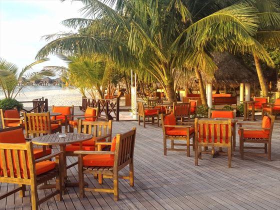 Al fresco dining at Vilu Reef Beach & Spa Resort