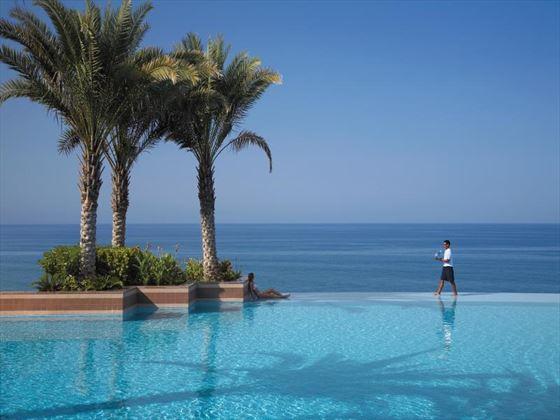 Al Husn infinity pool at Shangri-La Barr Al Jissah Resort & Spa