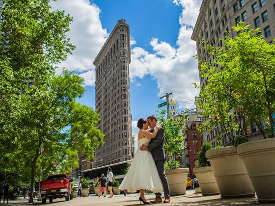 Bride & Groom outside the famous Flatiron Building