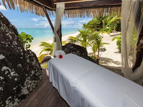 Beachfront massage at Pacific Resort Aitutaki