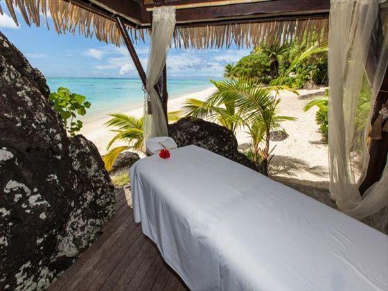 Beachfront massage at Pacific Resort Aitutaki