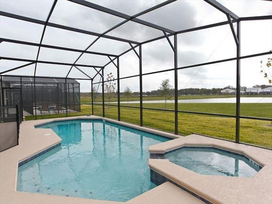 Bella Vida Resort Platinum Homes Pool