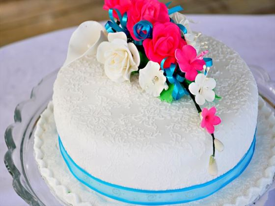 Beautiful Bougainvillea wedding cake