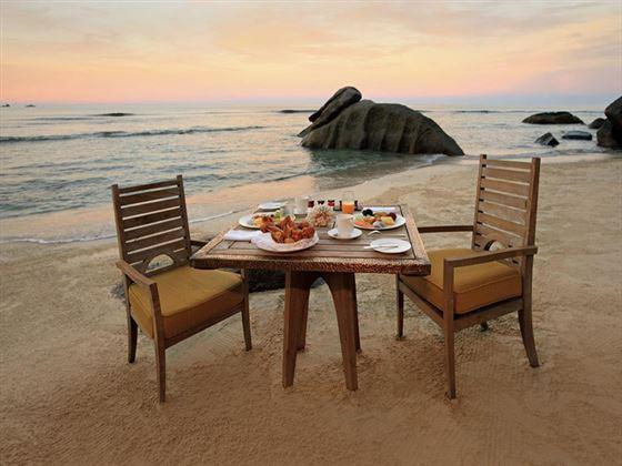 Beach breakfast