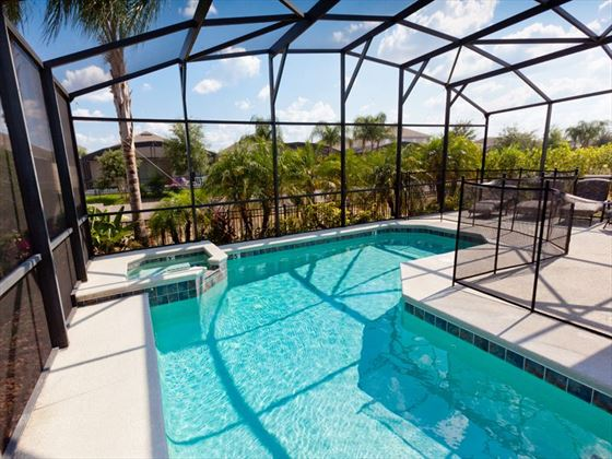 Typical pool of a Calabay Parc @ Tower Lakes Executive Plus Home