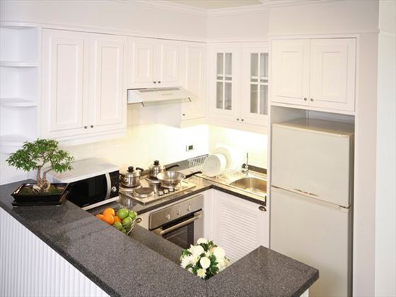 Cape House Langsuan Serviced Apartments kitchen