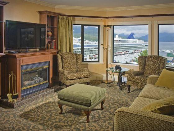 Crest Hotel, Fireside Suite