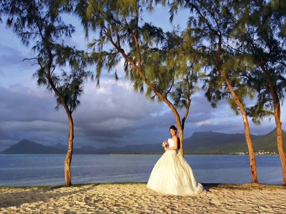 Beach bride at Paradis