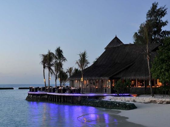 Komandoo Island Resort restaurant