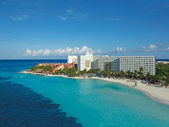 Exterior view of Dreams Sands Cancun