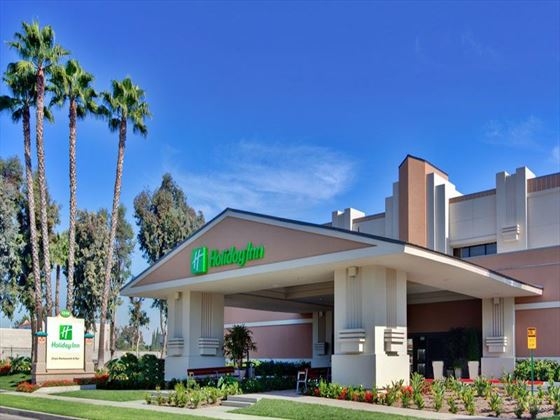 Exterior view of Holiday Inn Hotel & Suites Anaheim