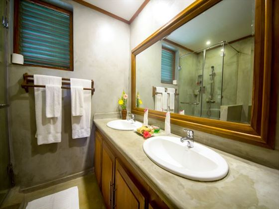 Family Room Bathroom at Dickwella Resort